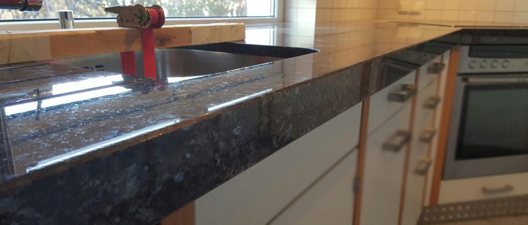 granit arbeitsplatten langlebige granit arbeitsplatten. Black Bedroom Furniture Sets. Home Design Ideas