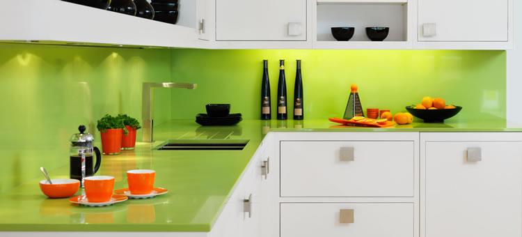 glasr ckwand glasr ckwand als spritzschutz in der k che. Black Bedroom Furniture Sets. Home Design Ideas