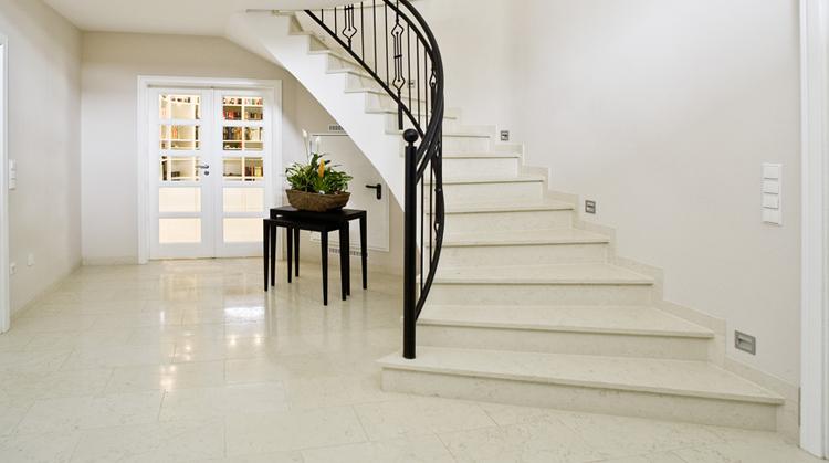 treppen naturstein und kunststein treppen nach wunschma. Black Bedroom Furniture Sets. Home Design Ideas