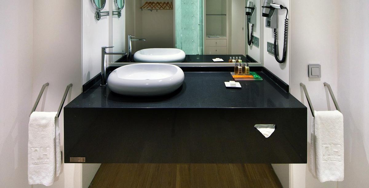 Silestone Negro Tebas - Waschtisch