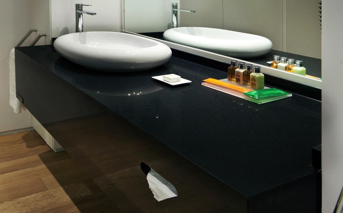 Negro Tebas - Kunststein Waschtischplatten
